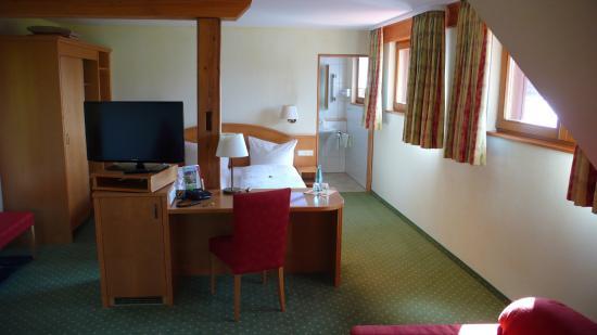 Gasthof zum Breitenberg : Zimmer im DG