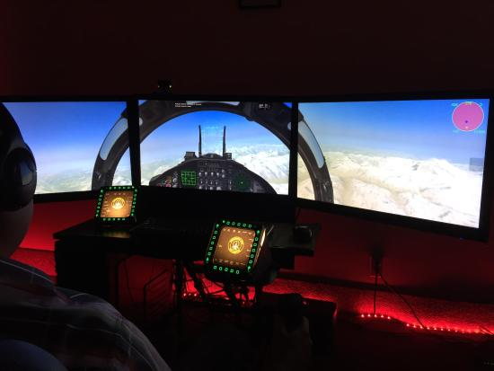 ‪Squadron Ops Sim Center‬