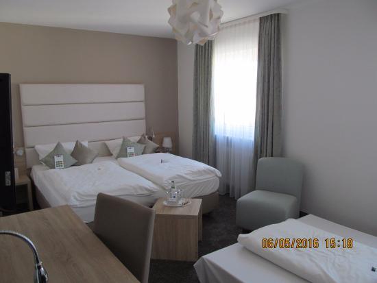 Best Western Hotel Lamm : Helles Zimmer mit angenehmer Farbwahl...