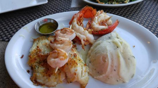 Ruby Tuesday : Seafood trio