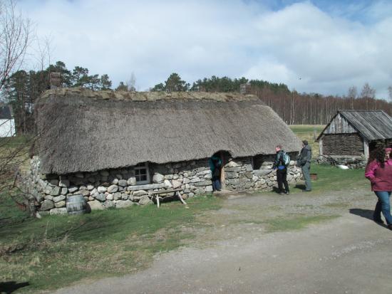 Highland Folk Museum: Thatched cottage