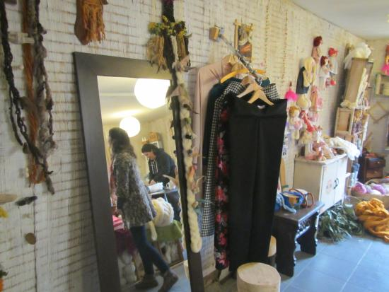 Pirque, Chile: Clothing and wools