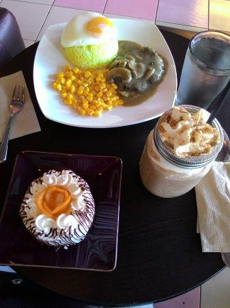 Taytay, Philippines : Salisbury Steak, Nutella Ground and Mango Ole