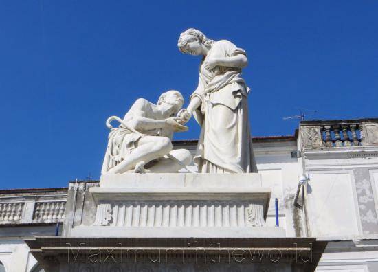 Monumento alla Carita