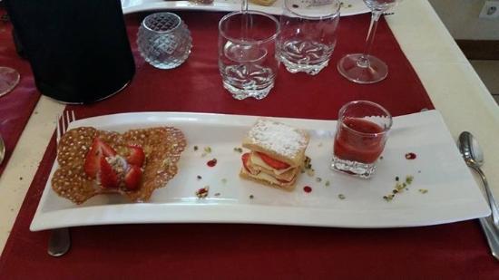 Herbignac, Francja: Dessert autour de la fraise(locale)