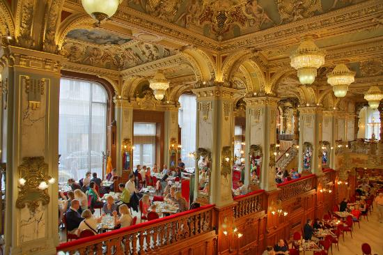 cafe new york splendit interiors in historical building picture of new york cafe budapest. Black Bedroom Furniture Sets. Home Design Ideas