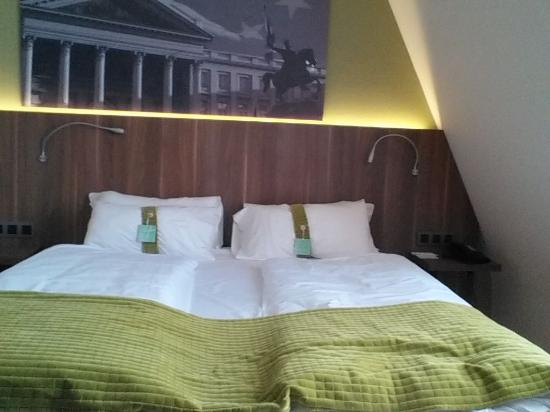 Holiday Inn Brussels Schuman: Bed