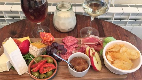 The Old Courthouse Wine and Coffee Bar: The mixed platter for 2.