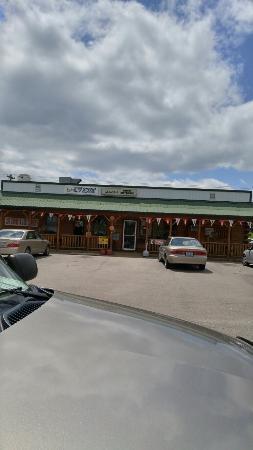 Brownsville, KY: Laura's Hilltop Restaurant