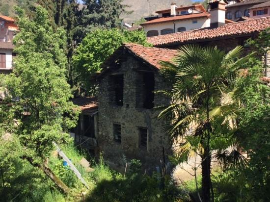 Guesthouse Arosio B&B: View along the hike