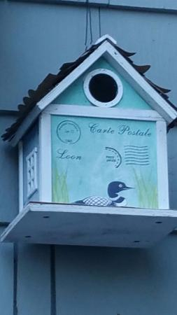 Greystone Bed & Breakfast: Birdhouse on balcony