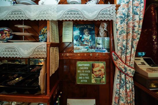 New Galloway, UK: Lovely vintage tearoom.