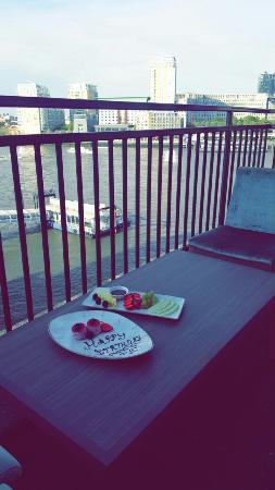 Balcony - DoubleTree by Hilton Hotel London - Docklands Riverside Photo