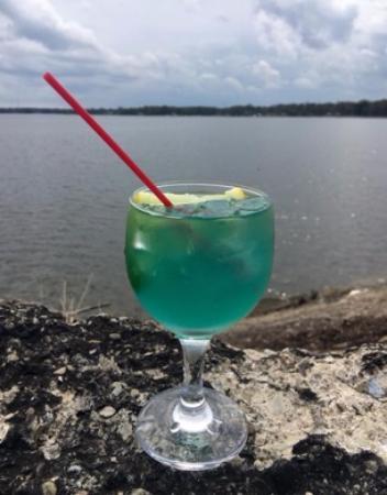 Lake Milton, OH: Fruity Drink