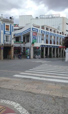Valdepenas, إسبانيا: Edificios singulares de la Plaza de Valdepeñas.