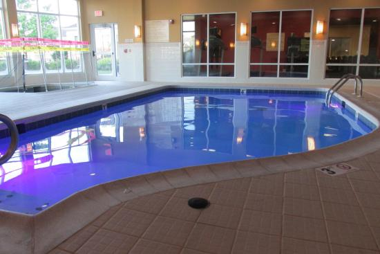 hilton garden inn cincinnati blue ash changing colors in pool non working hot - Hilton Garden Inn Blue Ash
