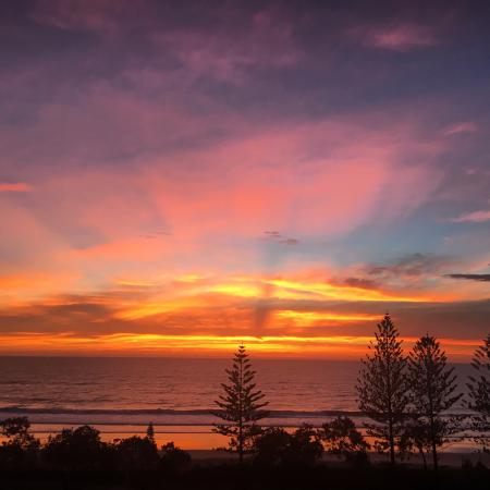 Alexandra Headland, Australia: View straight ahead from our room