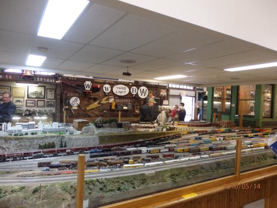 Medina, NY: Train Layouts