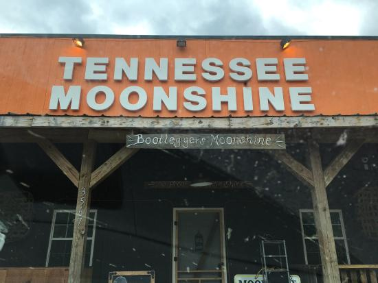 Hartford, TN: Small batch, family brewed authentic Tennessee moonshine - where locals go.