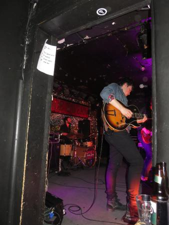 Horseshoe Tavern: Close in view of the band on stage