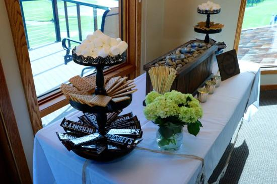 """Apple Tree Golf Resort: They allowed us to set up our own """"s'more's bar"""" in the room"""