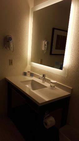Hawthorn Suites by Wyndham Louisville/jeffersontown: 20160430_145443_large.jpg