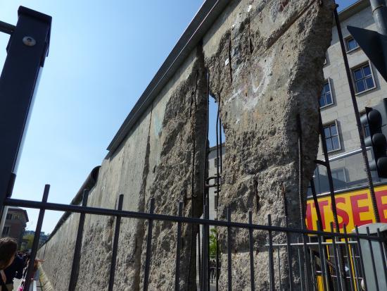 Humboldt Tours Berlin -Tours: Berlin Wall