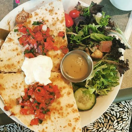Leola, Pensilvania: Weekend Specials: Wild Mushroom Omelet, Beef Quesadilla,  and an amazing Strawberry Lemon crape