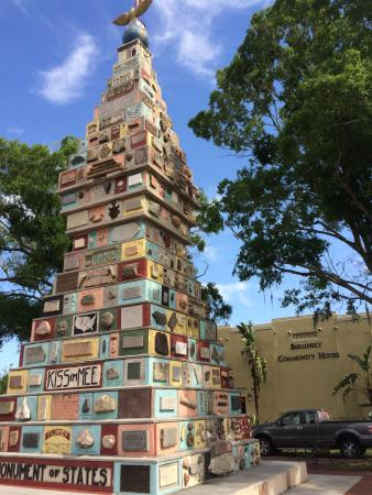 Kissimmee, FL: Monument of States