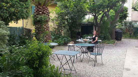 Hotel Villa Les Cygnes: 20160510_032309_large.jpg
