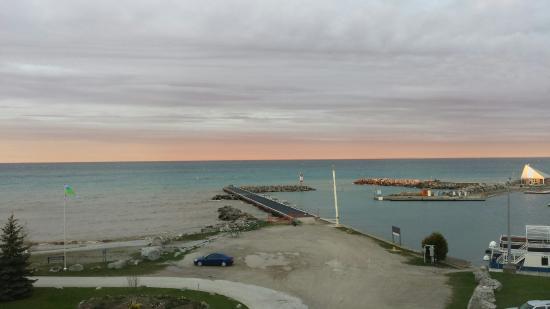 Royal Harbour Resort: 20160514_203326_large.jpg