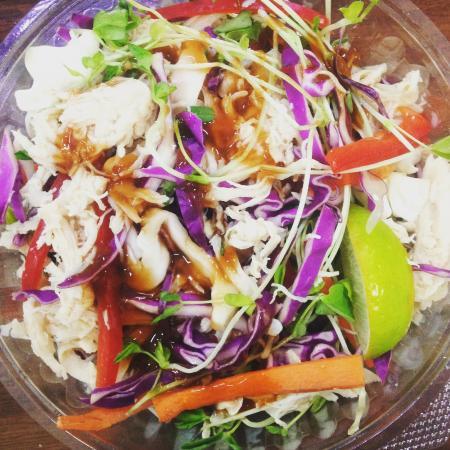 Blackall, ออสเตรเลีย: Asian Chicken Salad - FRESH TAKEAWAY