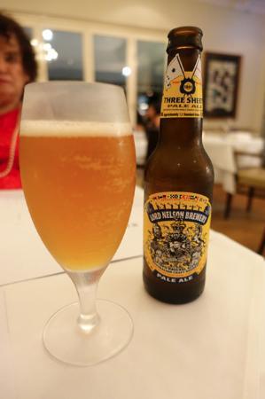 Killcare, Australia: Dinner - stuck with craft beer