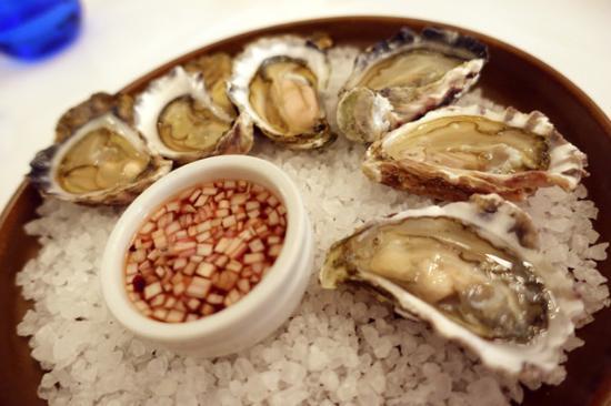 Killcare, Australia: Oysters ($5 each)