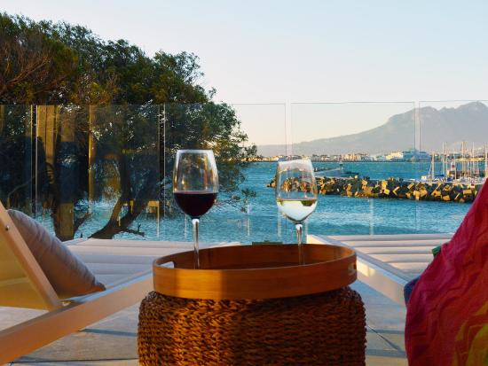 Gordon's Bay, Sudáfrica: The perfect place to enjoy the fruits of the Cape