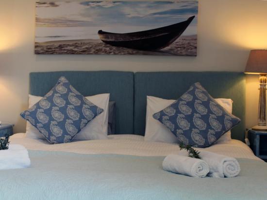 Gordon's Bay, Sudáfrica: King size bed with en-suite bathroom