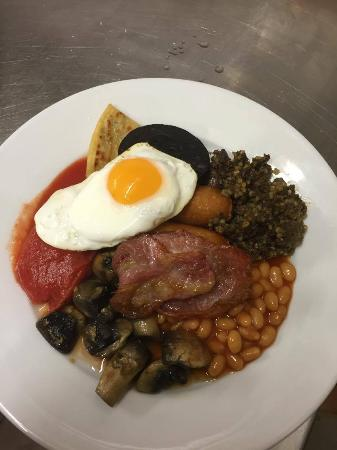 Гленротес, UK: big breakfast