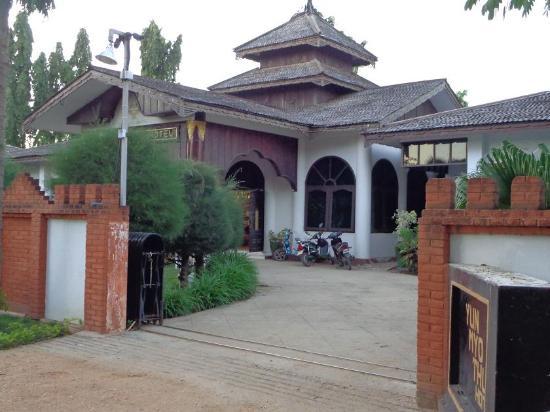 雲瑪圖酒店