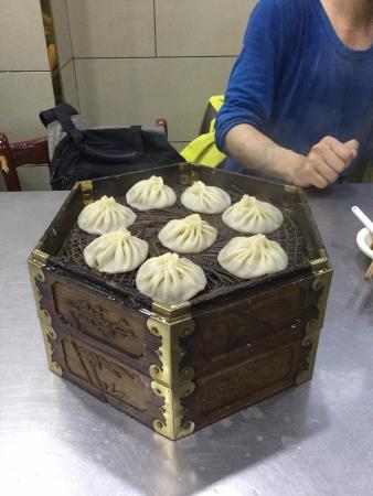 西安贾三灌汤包子馆(回民街店), 小籠包