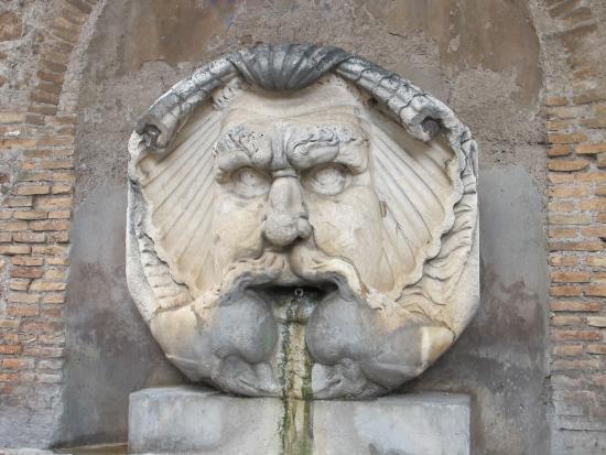 Fontana del Mascherone di Santa Sabina