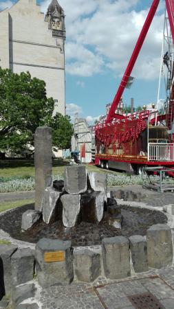 Brunnen vor der Kathedralpfarrei