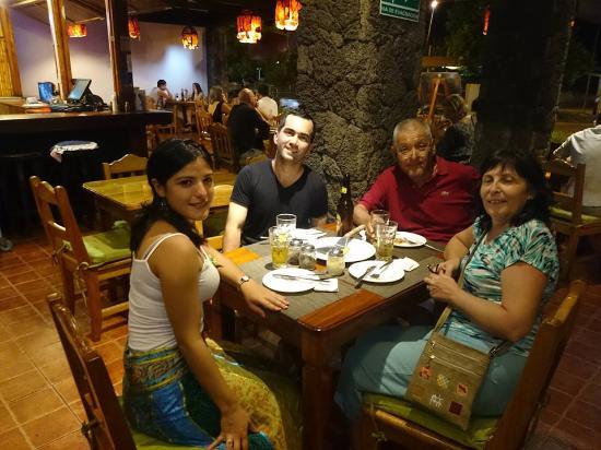 Cafe Hernan Bar Restaurante: Muy rica comida y muy buen restaurant para ir solo, en pareja o con la familia