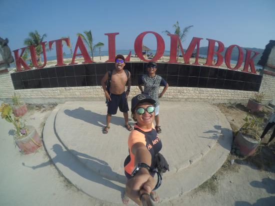 Kuta Beach - Lombok: In front of KUTA LOMBOK