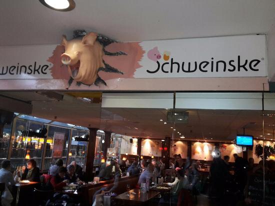 schweinske hamburg hauptbahnhof picture of. Black Bedroom Furniture Sets. Home Design Ideas
