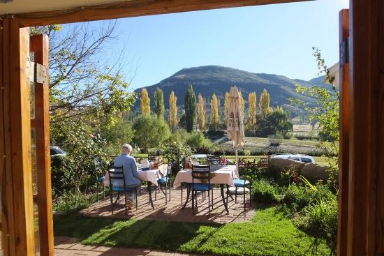 Lake Clarens Guest House: Breakfast overlooking Lake Clarens