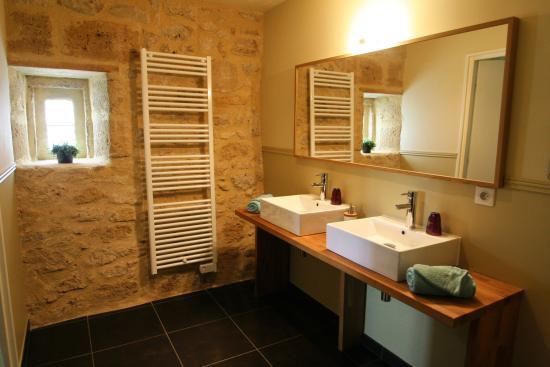 Les Salles-De-Castillon, França: Bathroom Joie de Lavande