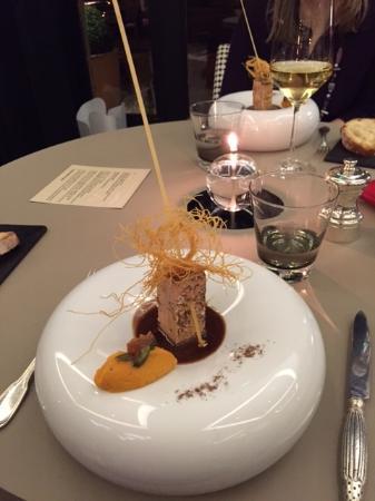 Saint-Amour-Bellevue, Francja: le foie gras, belle présentation