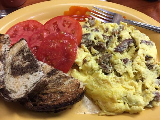 Melbourne Beach, FL: Classic Scrambler with Sausage and as requested no cheese. Thats just me.