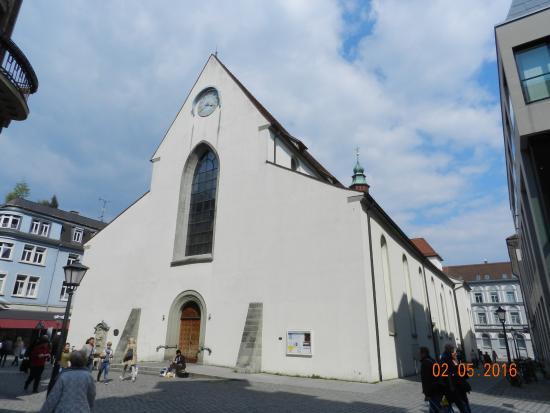 Dreifaltigkeitskirche : Фасад церкви