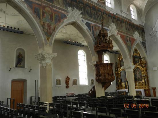 Dreifaltigkeitskirche: Кафедра